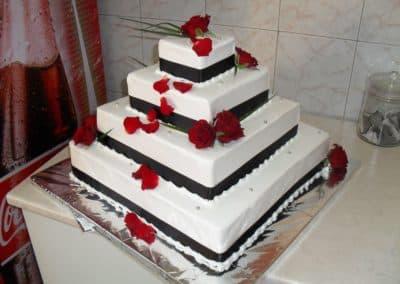 ketering beograd 1499274026_tmp_S48-400x284 Svečane torte